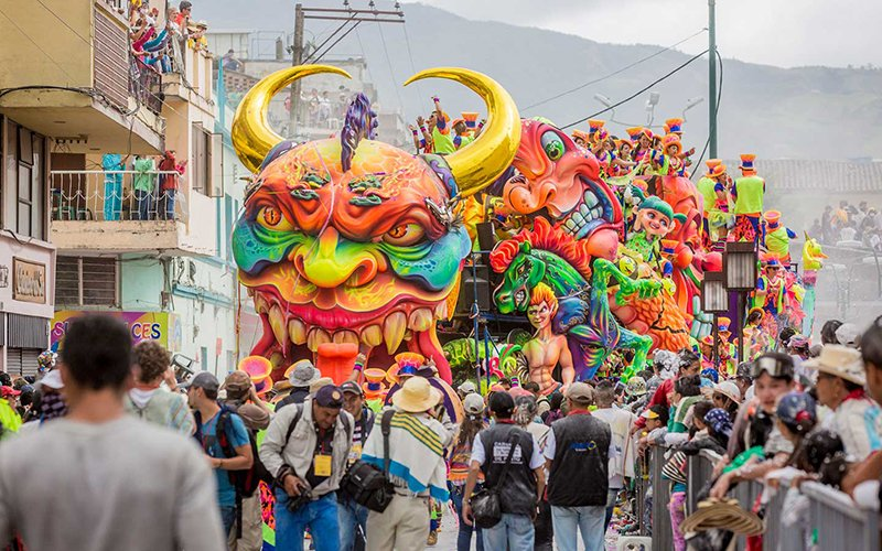 Carroza en Carnaval de Negros y Blancos de Pasto